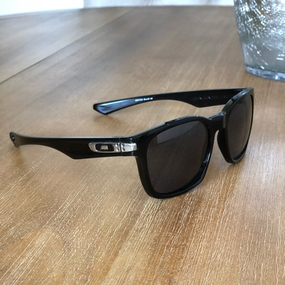 9908a0b4702 uk oakley garage rock polarized sunglasses cb5d0 3a7eb
